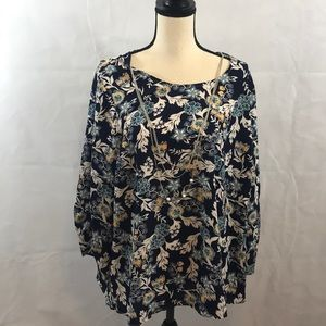 NWT Women's blouse with removable necklace